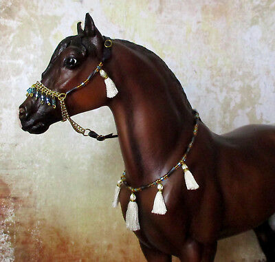 Tasseled Arabian Presentation Halter and Collar Set for 1:9 Model Horses: White