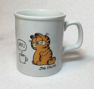 Vintage 1981 Garfield URF Coffee Mug Cup I Like My Coffee To Sit Up And Bark