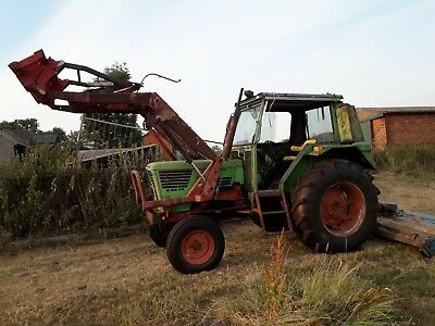 deutz loader tractor 6806D, ideal for small holding or farm with pallet forks