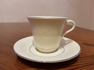 New REYNOLDS by Shenango Bridal Veil Ivory Platinum Trim Cup/Saucer Made in USA