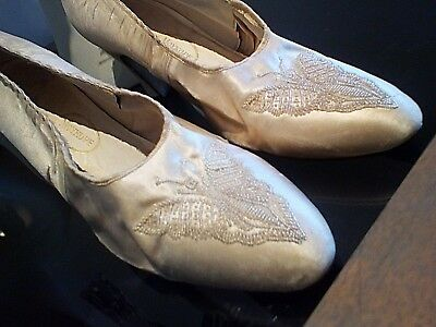 ANTIQUE SHOES - 1920s? - MOYKOPF - MADE IN ENGLAND - BEADED BUTTERFLIES