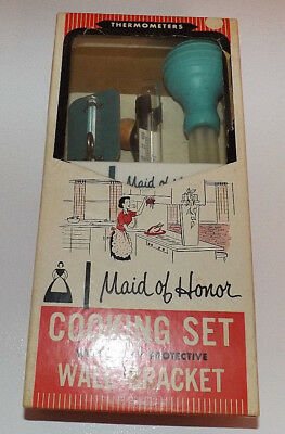 Vintage Maid of Honor Cooking Set with Wall Bracket. New in Box. RARE Model 4353