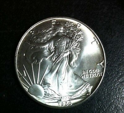 1986 American Silver Dollar Eagle ~ Gem Bu Contains 1 Troy Oz .999 Fine Silver