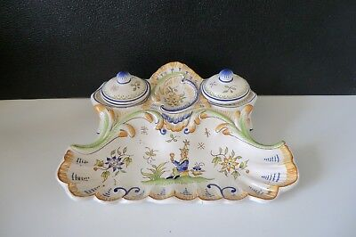 (8) ANCIEN ENCRIER. faience, porcelaine, biscuit.TRADITION DE MOUSTIERS.
