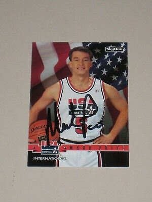 Mark Price signed Cleveland Cavs 1994-95 Skybox Team USA #19 Basketball Card