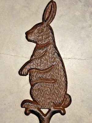 BUNNY RABBIT SILHOUETTE GARDEN YARD PLANTER STAKE OUTDOOR HOME DECOR brown iron