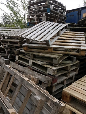 Assorted non-standard or damaged wooden pallets