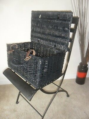 Great Looking Old   Collectable Picnic Basket