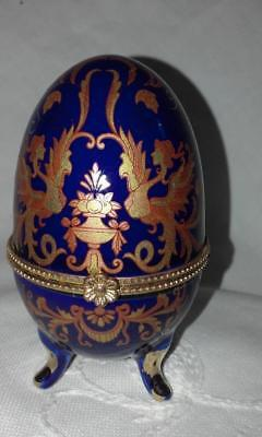 Beautiful Porcelain Footed Egg Shaped Hinged Trinket, Jewellery Or Pill Box