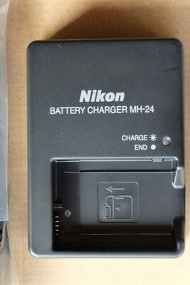 Genuine New MH-24 battery charger for Nikon EN-EL14 & 14a.  Aussie adapter