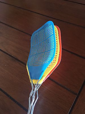 FLY SWATTER Fly-swatter Set Of 3 Vintage Wire Plastic Flyswatters