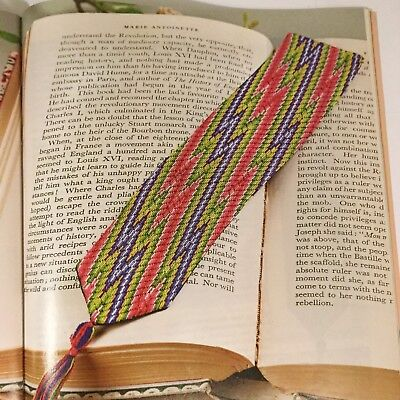 Needlework Bargello pattern: Flame stitch bookmark design and instructions