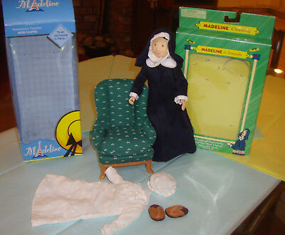 Madeline Miss Clavel doll Green Chair White Nightgown Set Lot