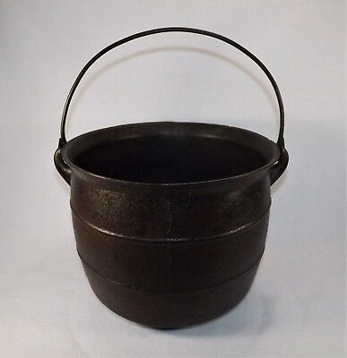 Antique 4 Legged Cast Iron Kettle Cauldron Gypsy Pot Rib #7 I.A.S.&Co. Camp Fire