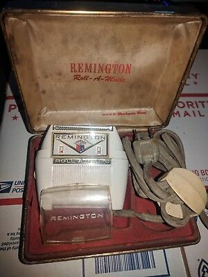 Vintage Remington Roll-a-matic Electric Home Shaver 50's 60's WITH CASE