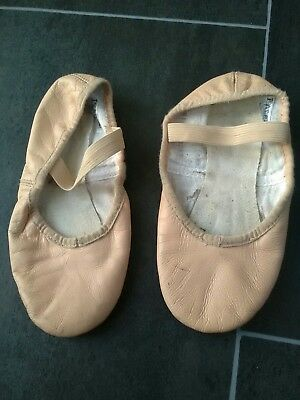 girls size 1 pink ballet shoes