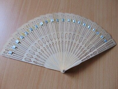 Antique 19th Century Chinese Carved Brise Cattle Bovine Bone Hand Fan 6.25 inch