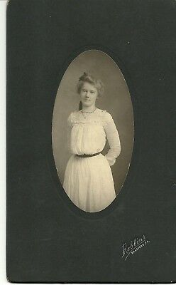 """Antique Cabinet Cards Lot of Two """"Gorgeous Young Women"""""""