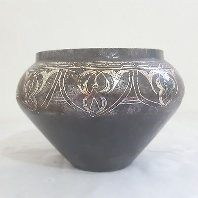 Bowl Ancient Indian vase with metal and handmade silver decorations