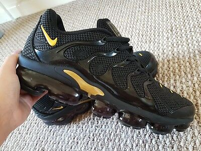 buy popular d735d 9be7a NIKE AIR VAPORMAX Plus Vm / TN Black and gold Size Uk 10 brand new 99p start