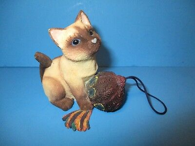 Calico Kittens Siamese Cat Figurine Finally a Gift Worthy of Me Enesco 2001