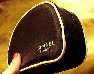 0d0c72b19f98ff Chanel Beaute Cosmetic Makeup Bag Black Satin Gold Case Limited Edition * rare