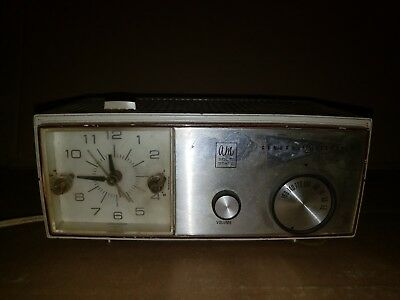 Vintage 1966 General Electric GE C-1430 Clock Alarm AM Radio Tested and Working