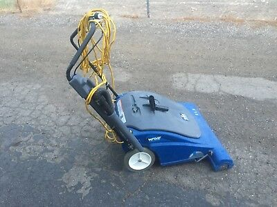 Windsor Wave Wide Area Commercial Vacuum ~ Will Ship