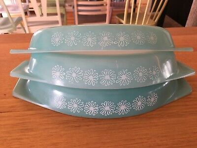 Pyrex Nestle Dishes Lot Of Three Turquoise Daisy Vintage