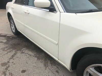2006 Chrysler 300 Series  Beautiful 2006 Chrysler 300 runs and drives great...!!!!!! No mechanical issues