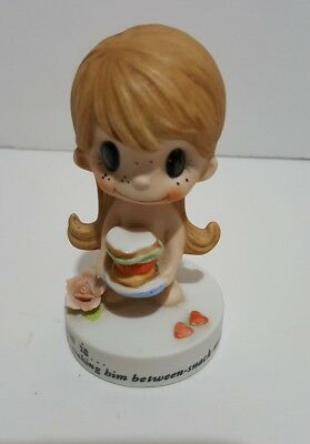 1972 Kim Casali Figurine LOVE IS MAKING HIM BETWEEN SNACK MEALS No Clothes Girl