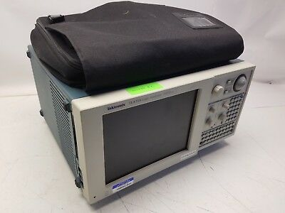 Tektronix TLA 715 Logic Analyzer w/ TLA7L2 68 Ch LA Module, bag, and accessories