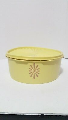 Tupperware Stackable Yellow Servalier Cansiter # 1204~seal #1205