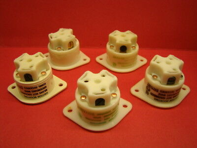 Bryant 15A 125V Flanged Receptacle, Nylon, QTY of 5