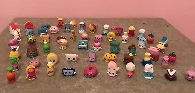 Lot Of 62 Shopkins With Carrycase And Fruniture