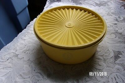 """Tupperware~ Daffodil Servalier Canister W/ Instant Seal ~ Stackable~ """"guc"""""""