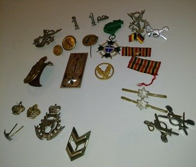 25 Foreign Military Badges & pins buttons Unknown Country