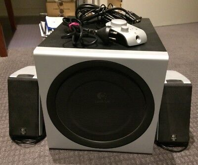 Logitech Z-2300 THX 2.1 Speakers - Pickup Only