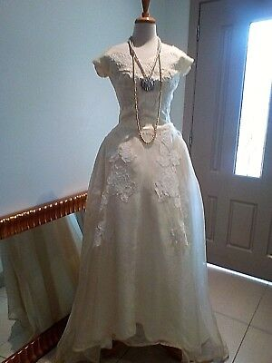 1960s - 1970s? Vintage Wedding Dress - Good for a project as damaged top layer