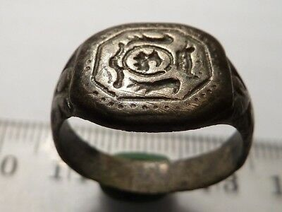 2393	Ancient Late Medieval silvered signet ring with a crown on the bezzel19 mm.