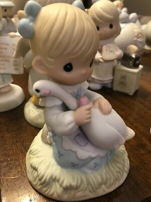 PRECIOUS MOMENTS FIGURINE God Is Love