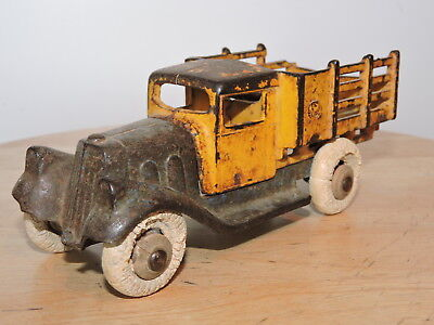 Vintage Original Hubley Take Apart Cast Iron Toy Stake Truck