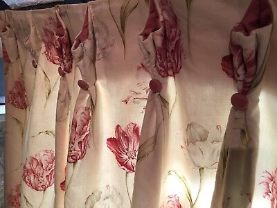 """A Good Quality Pair of Floral Pinch Pleat Curtains W38"""" X D49"""""""