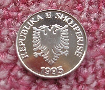 Albania 5 Leke 1995 UNC double headed Eagle Olive branches First issue