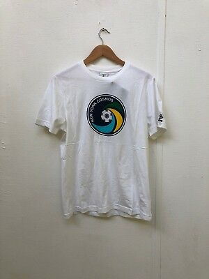 Umbro Men's New York Cosmos Logo Graphic T-Shirt - Various Sizes - White - New