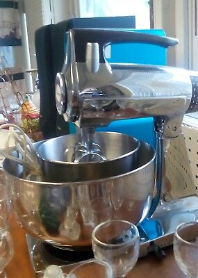 Working Sunbeam Mixmaster - Includes Two Mixing Bowls