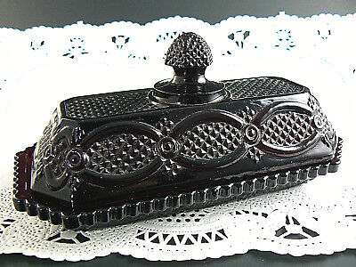 vintage avon ruby red glass cape cod butter dish (W5-4)
