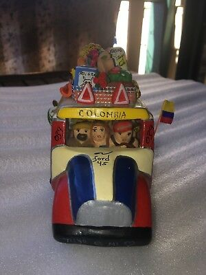 "Colmbian Folk Art Ceramic "" Chiva "" Bus Ford 45, 039 16 cm long"