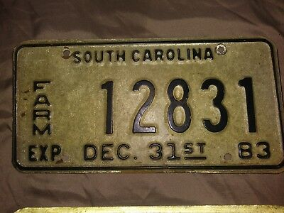 2 vintage 1983 South Carolina Farm licenses Plates Sequential #'s 12831 & 12832
