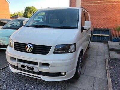 VW Transporter T5 1.9TDI - 6 Seater - Rear windows with curtains - Rear Tv & DVD